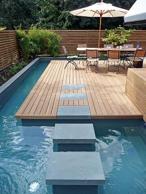 Small garden with pool by Terra Manus Landscaft Architektur