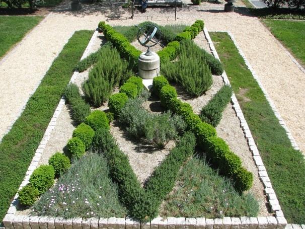 knot garden3